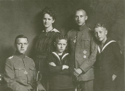 ернст юнґер, перша світова війна, олена семеняка, техніка, новий націоналізм, фрідріх ґеорґ юнґер